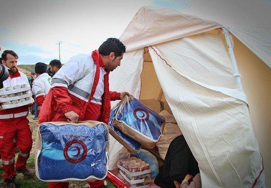 کمک ۲۹۰ میلیون ریالی مردم همدان به مناطق سیل زده
