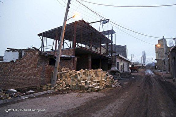 تولید انبوه اسکانهای موقت در مناطق زلزلهخیز ضروری است/ مقاومت ساختمانهای اسکلتدار چندین برابر ساختمانهای خشت و گلی است