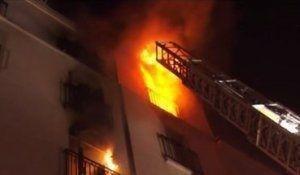 رستوران طرفداران مکرون در آتش سوخت+ تصاویر