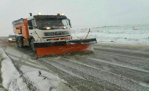 علی رغم بارش برف در مناطق مختلف آذربایجان غربی تمام محورهای مواصلاتی باز است