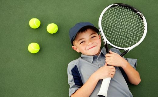 نوجوان تنیسباز