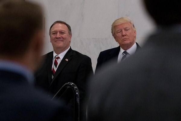 توئیتهای فارسی ترامپ و پمپئو را چه کسانی میزنند؟