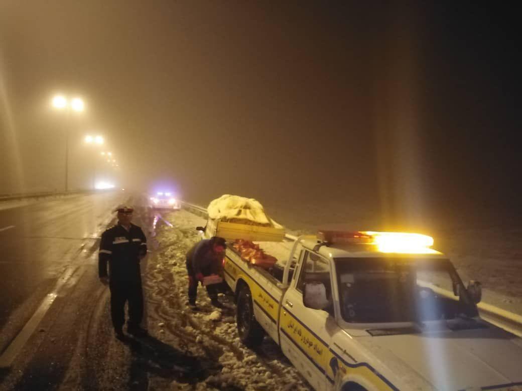 توصیههای پلیس راه به شهروندان برای تردد در جادههای برفی