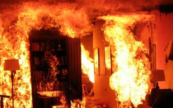 مهار آتش سوزی در بازار صفی تبریز