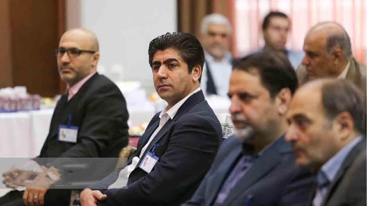 ممبینی: مربی بعدی تیم ملی فوتبال ایرانی است/ سلب امتیاز میزبانی در رده ملی صحت ندارد