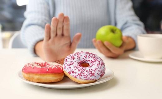 ممنوع بودن مصرف زیاد شیرینی