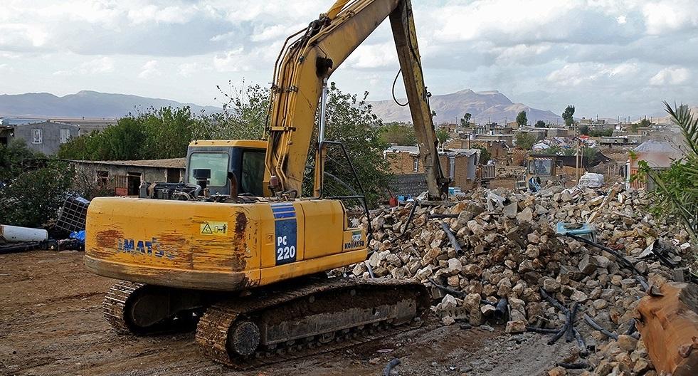 وقتی که جنگ سخت به جنگ اقتصادی تبدیل میشود/ قرارگاه سازندگی خاتمالانبیا در خدمت مردم