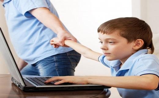 اعتیاد نوجوان به اینترنت