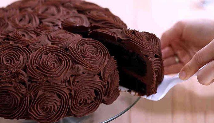 کالری کیک شکلاتی