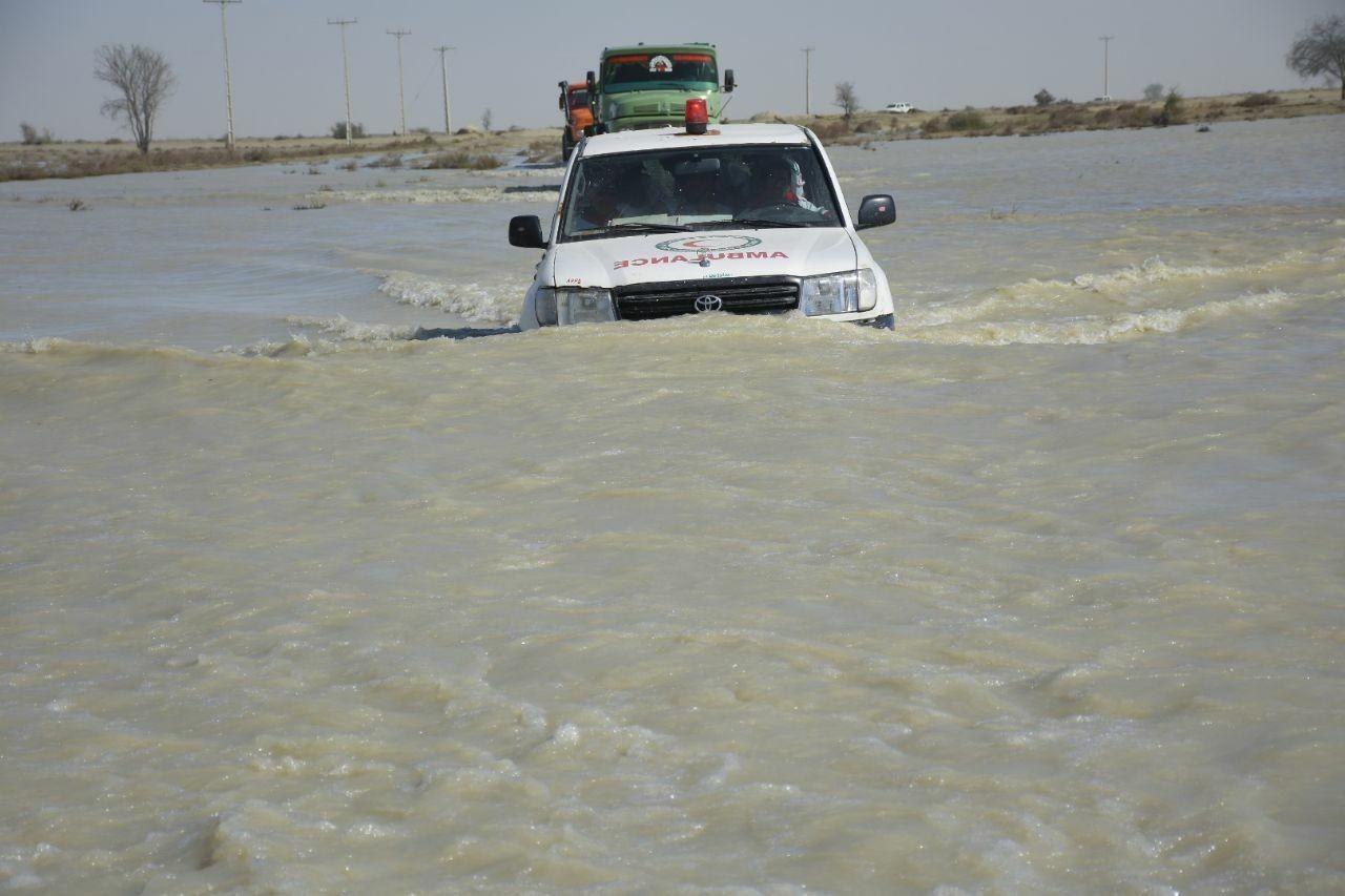۱۰۱۷ روستا و ۱۵ شهرستان درگیر سیلاب و ماجراهای پس از آن در سیستان و بلوچستان/ امدادرسانی ادامه دارد