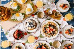 ۹ ماده غذایی که باعث افزایش اضطراب میشوند