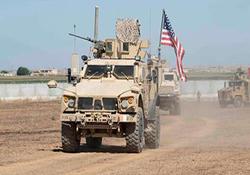 دموکراسی وارداتی با حمله نظامی! / بهم ریختن خیابانهای عراق توسط خودروی زرهپوش آمریکا + فیلم