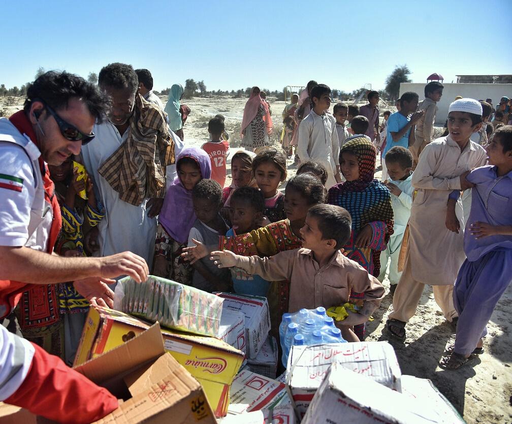 بیشاز ۶ هزار نفر به سیلزدگان سیستان و بلوچستان امدادرسانی میکنند