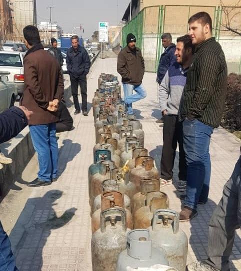 فروش غیر قانونی گاز ال پی جی در ۴ کیلومتری میدان آزادی پایتخت