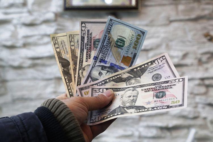پیشبینی روند قیمت دلار تا شب عید