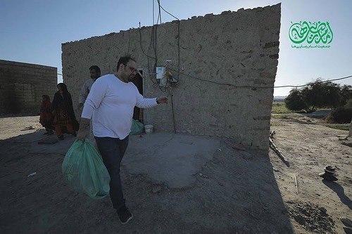 حضور کمدین خندوانه در روستای سیل زده سیستان بلوچستان