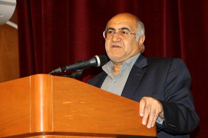 ادای احترام دولتمردان به شهدا در کرمان با آغاز دهه فجر