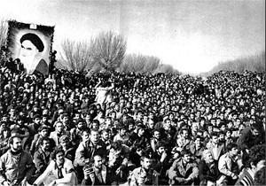 انقلاب مرهون خون شهیدان و مجاهدتهای انقلابیون است