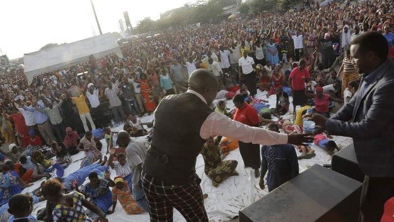 ۲۰ کشته بر اثر ازدحام جمعیت در یک مراسم مذهبی
