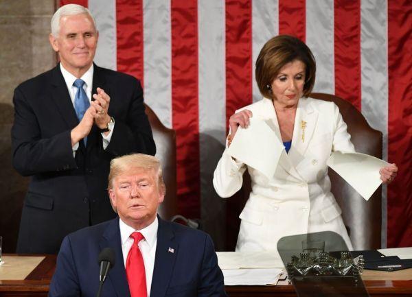 پاره کردن متن سخنرانی ترامپ در کنگره