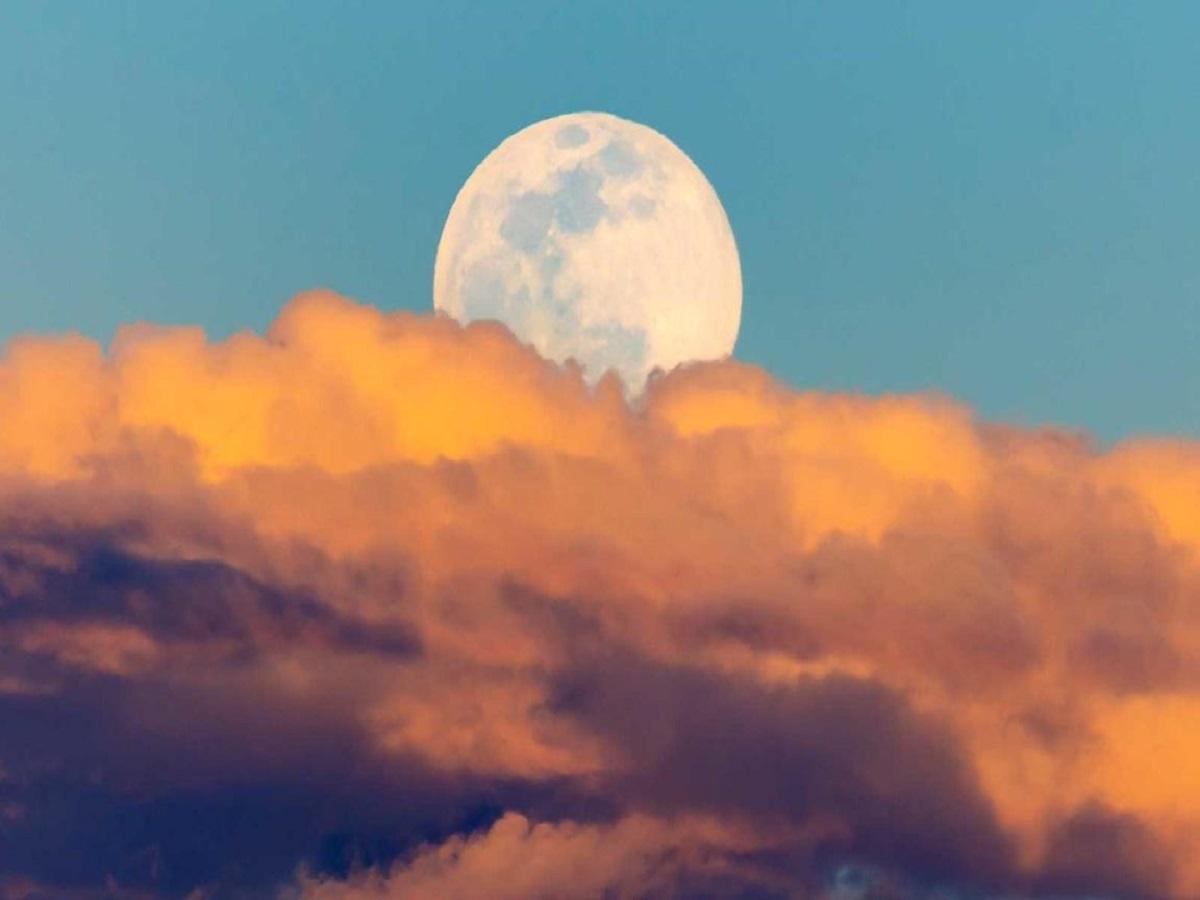 امشب آسمان میزبان ماه برفی میشود