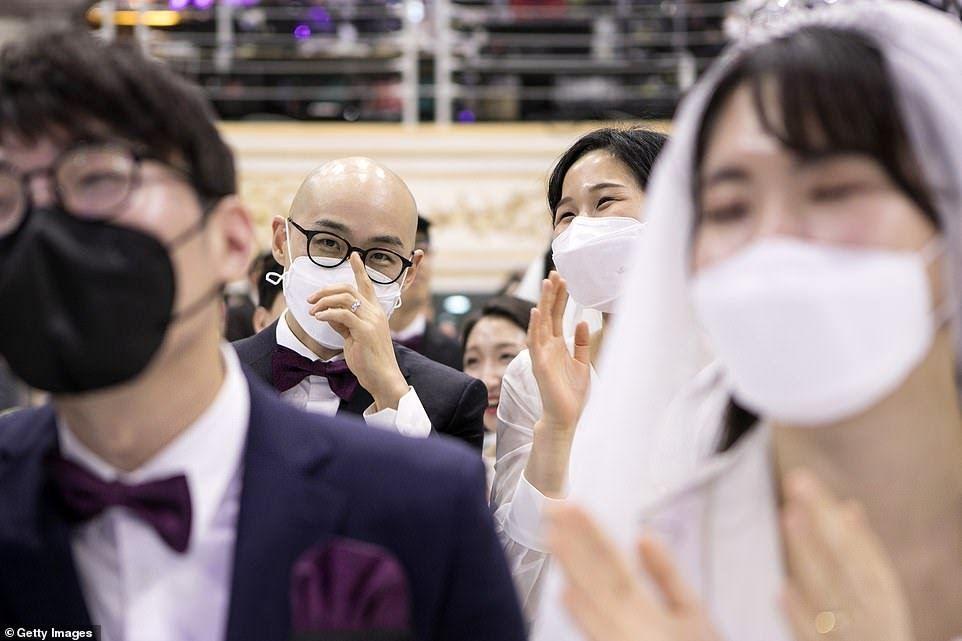 ازدواج در سایه ترس از ویروس کرونا! + تصاویر