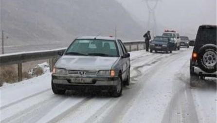 جاده های استان مرکزی باز اما لغزنده