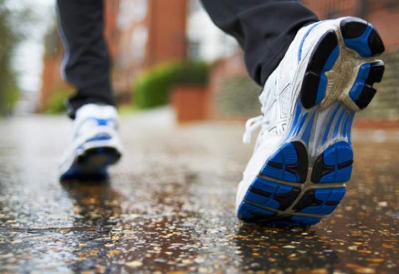 ۱۴ فایده شگفتانگیز ۱۵ دقیقه پیادهروی روزانه