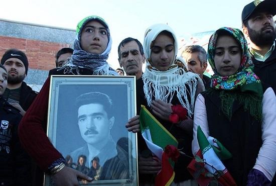 هنگامه خیزش مردمی به سمت پیروزی/ انقلابیترین روستایی که الگو شد