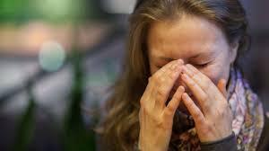 دلایل گر گرفتگی در سنین پایینتر از یائسگی