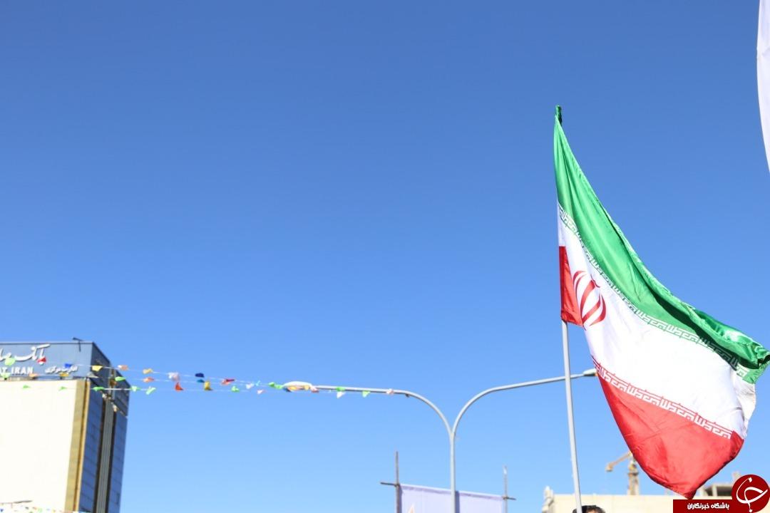 فارس به پاس پیروزی انقلاب در ۲۲ بهمن و به یاد سردار دلها به پا خواست + تصاویر
