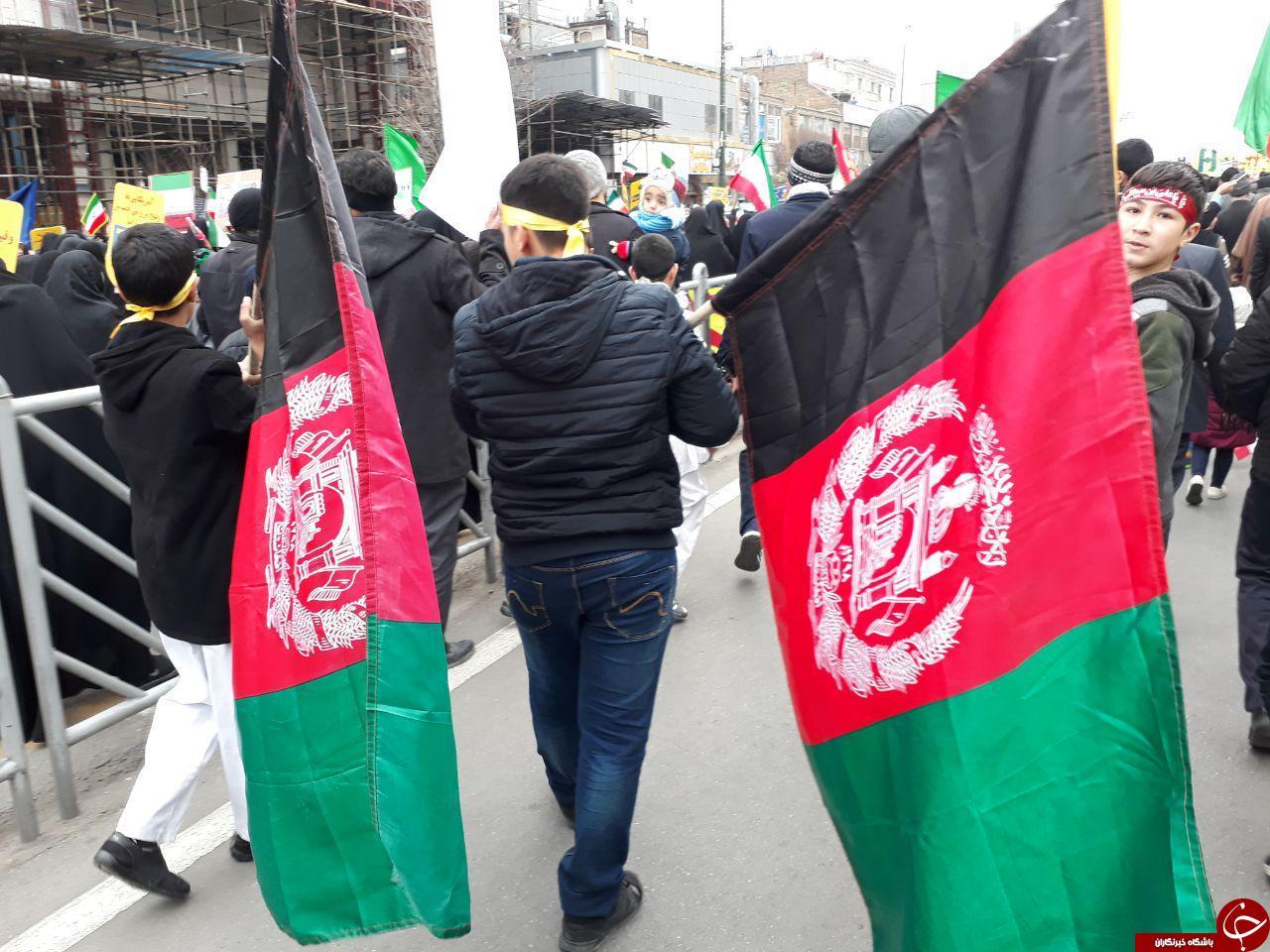 گزارش تصویری: حضور گسترده مهاجرین افغانستانی در جشن ۴۱ سالگی انقلاب اسلامی