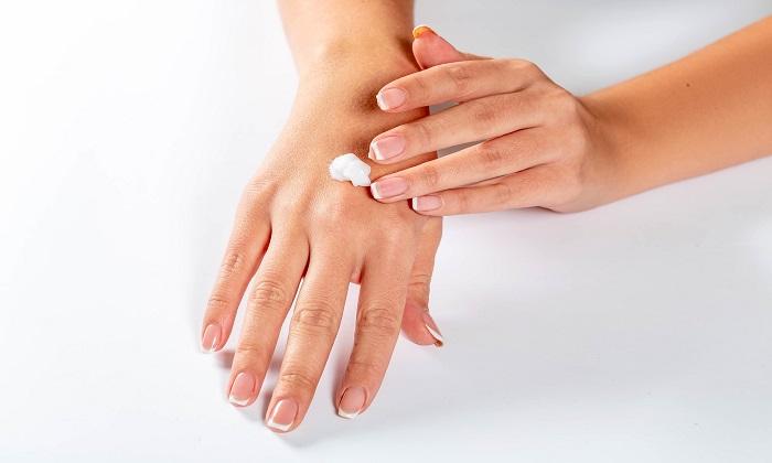 تفاوت های پوست خشک و کم آب