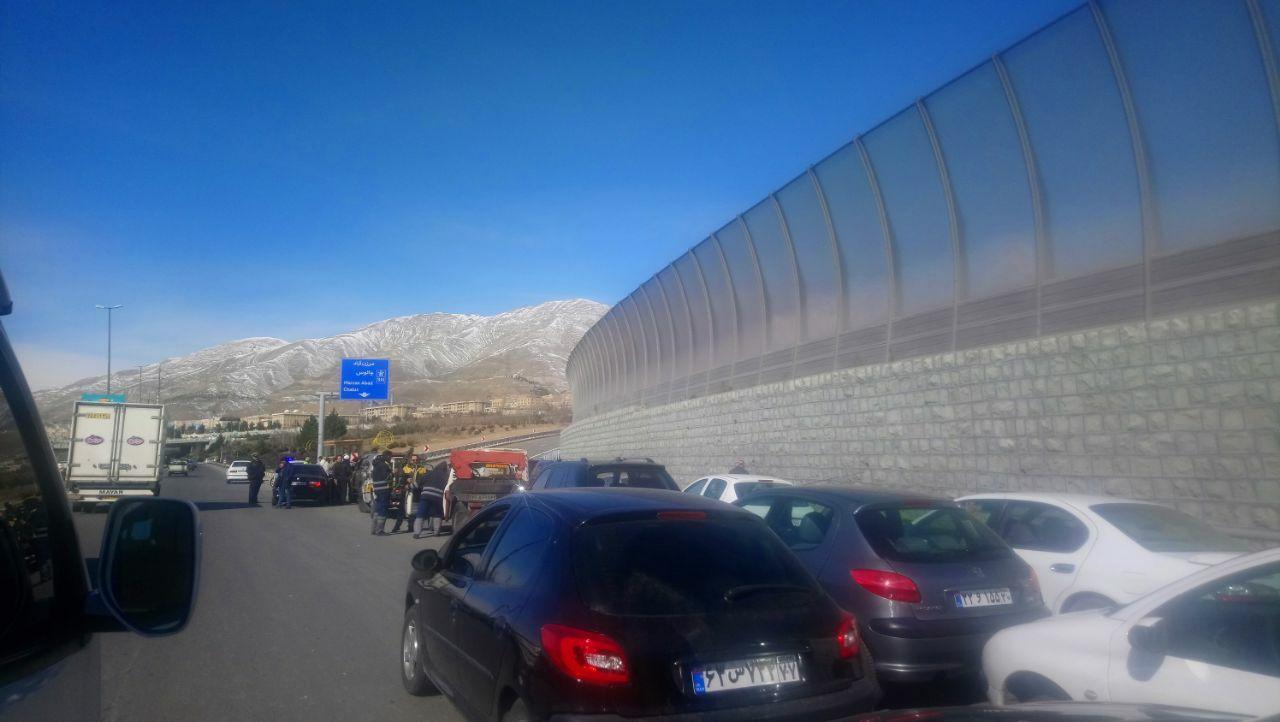 صف طولانی خودروها برای عبور از قطعه یک آزادراه تهران_شمال
