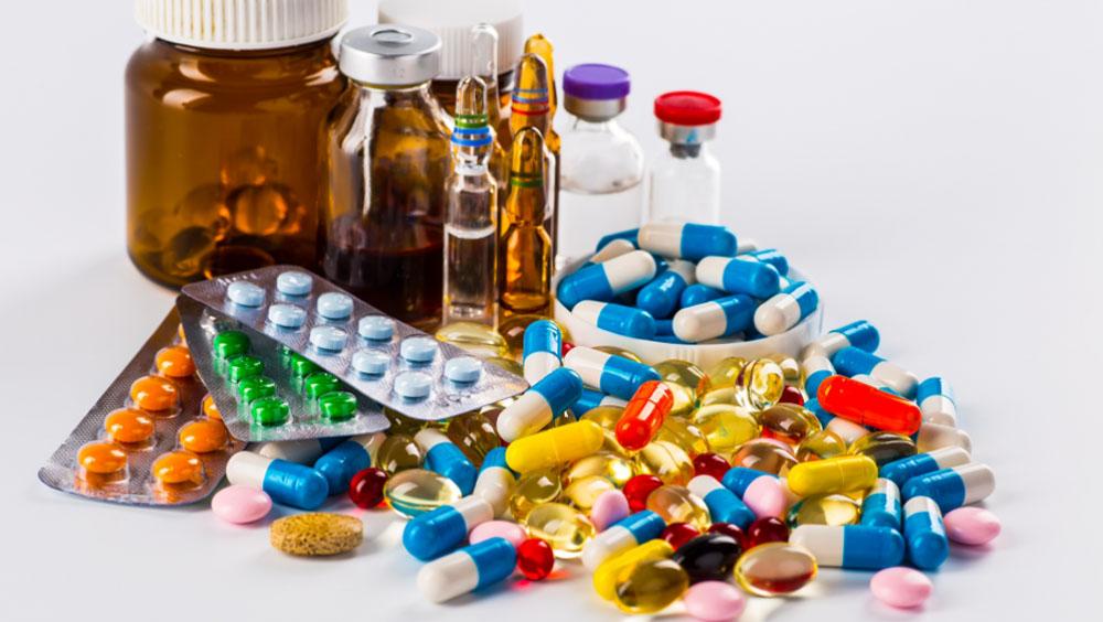 هیچ کمبود دارویی در داروخانههای هلال احمر دیده نشده است