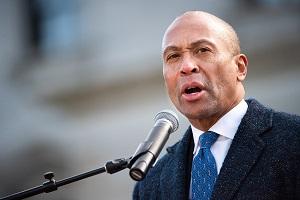 انصراف یکی دیگر نامزدهای دموکرات از رقابتهای انتخاباتی آمریکا