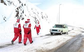 کمک رسانی هلال احمر به بیش از ۲۰۰ مسافر در برف