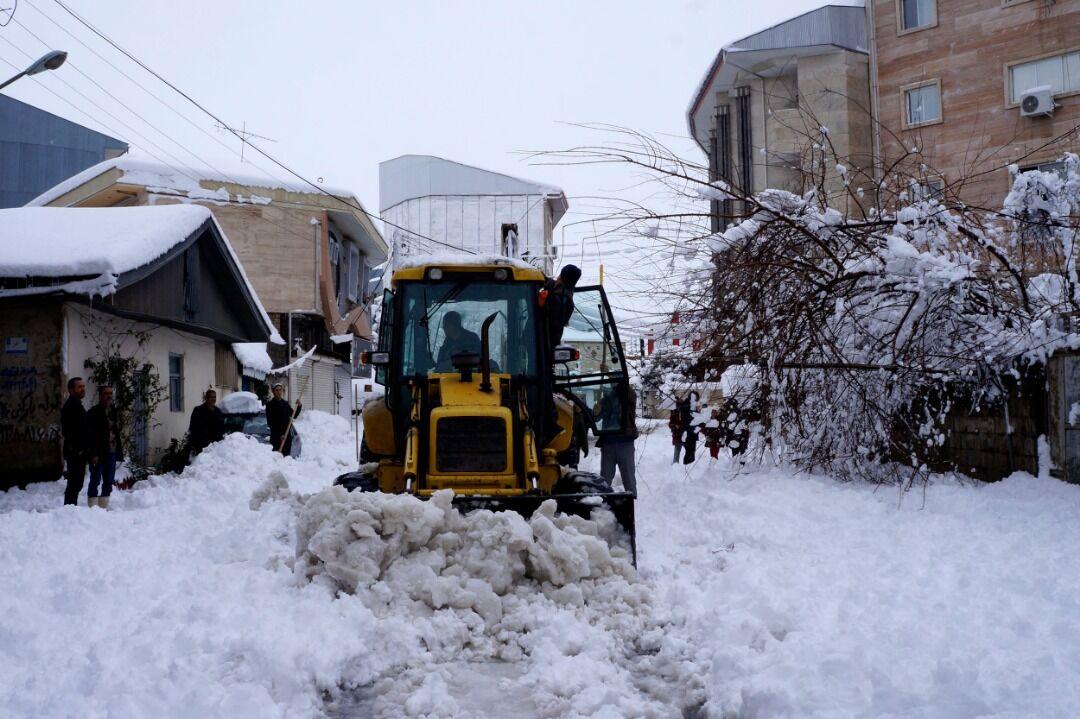 ۵۰ درصد راههای روستای گیلان مسدود است/ بازگشایی کامل تا ۲روز دیگر