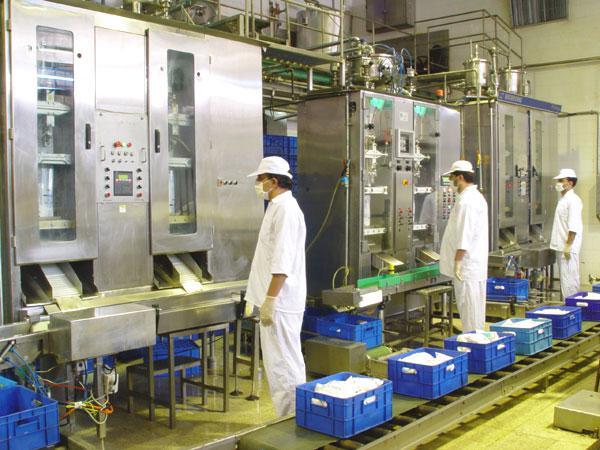 بیکار شدن کارگران کارخانه لبنیاتی در مرند/ مسئولین صنعت و تجارت توجه کنند