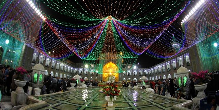 مشهد الرضا در شب ولادت حضرت زهرا (س) غرق در سرور و شادی می شود