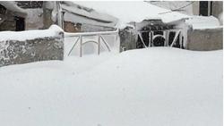 بازگشایی راه بیشتر روستاهای مسدود شده خلخال/۳۰روستا همچنان در محاصره برف