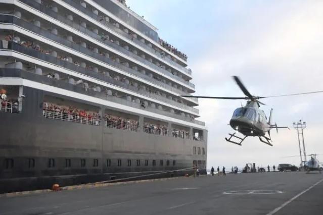 کشتی کروز هلندی مشکوک به کرونا سرانجام در کامبوج پهلو گرفت+ تصاویر
