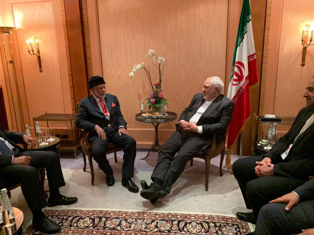 ظریف و وزیر خارجه عمان گفتوگو و نبادل نظر کردند