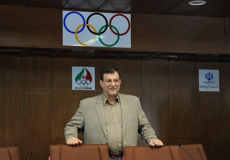 رقابتهای قهرمانی جوانان آسیا/ رئیس فدراسیون وزنهبرداری در نقش داور!