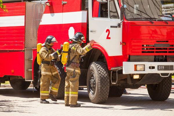 نجات ۴ نفر در ۱۰ عملیات اتش نشانان همدانی