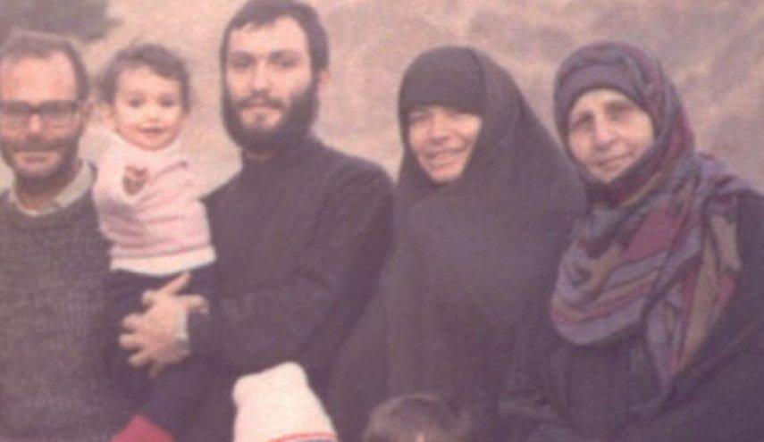 تصویری دیده نشده از عماد مغنیه در کنار خانوادهاش