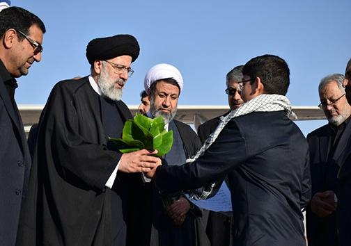 رییس قوه قضاییه وارد کرمان شد/ انتقام خون شهید سلیمانی را می گیریم +عکس
