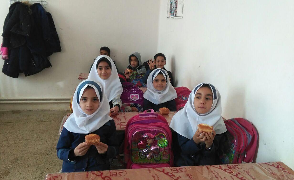 تجهیز ۲۲۰ میلیونی مدرسه روستایی استان زنجان