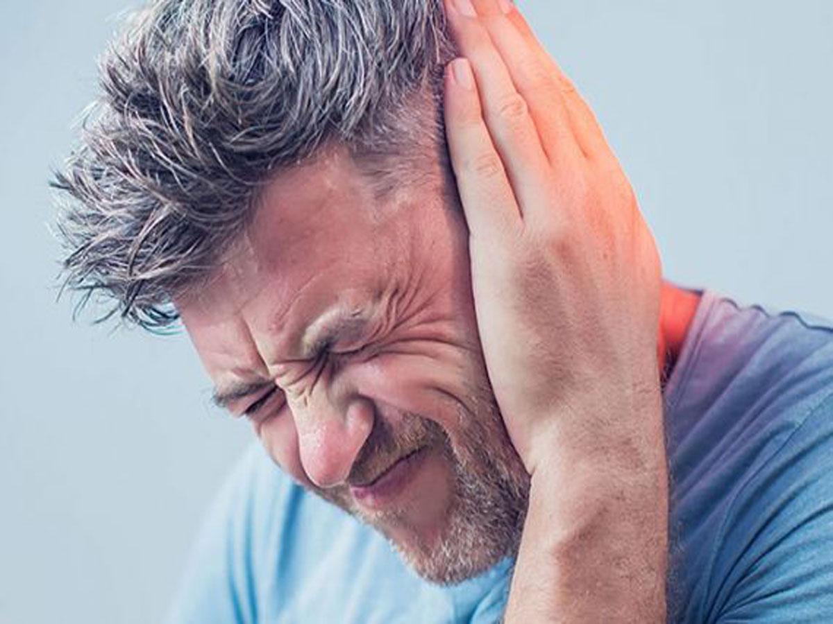 علت بروز وزوز گوش از نظر طب سنتی