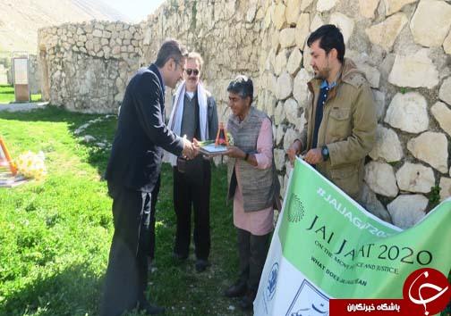 بازدید اعضای گروه صلح و دوستی جهانی از پایگاه میراث جهانی بیشاپور